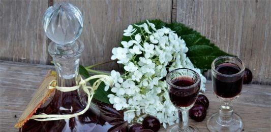 wiśnie i wiśniówka