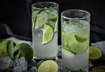 lemoniady w szklance