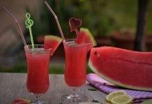 Lemoniada arbuzowa i arbuz