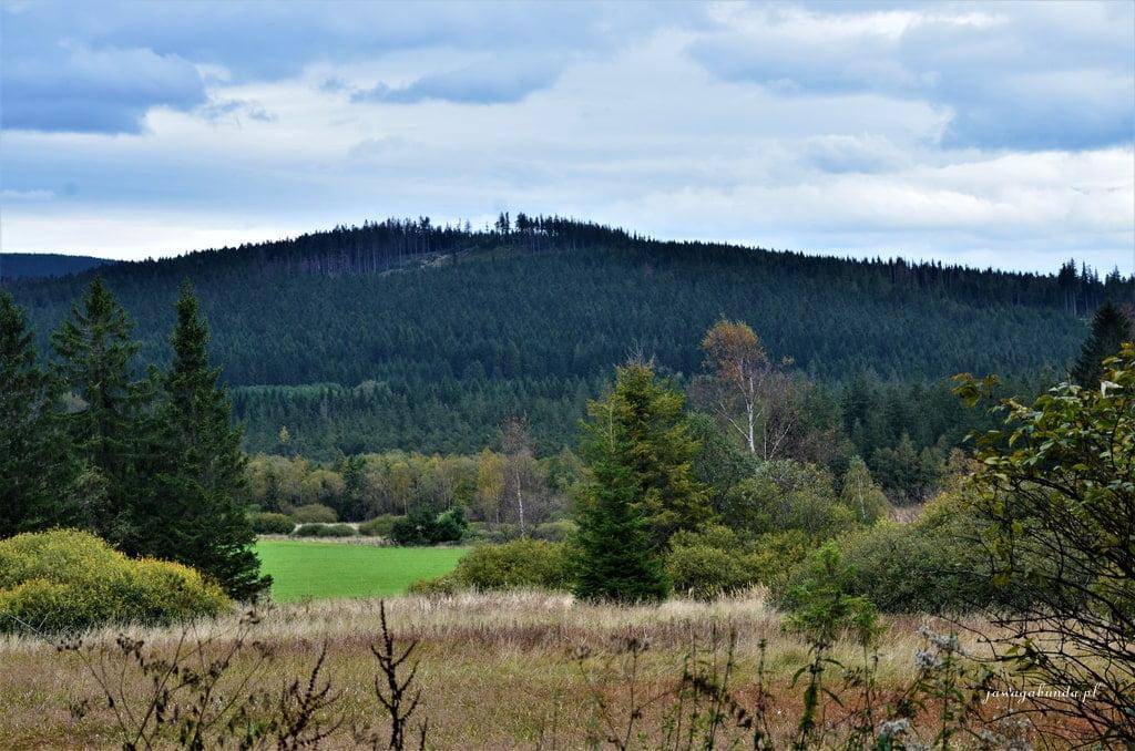 bajkowa osada i widoki na góry