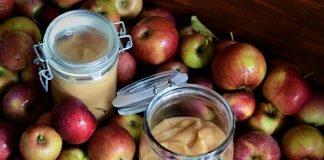 Mus jabłkowy i jabłka