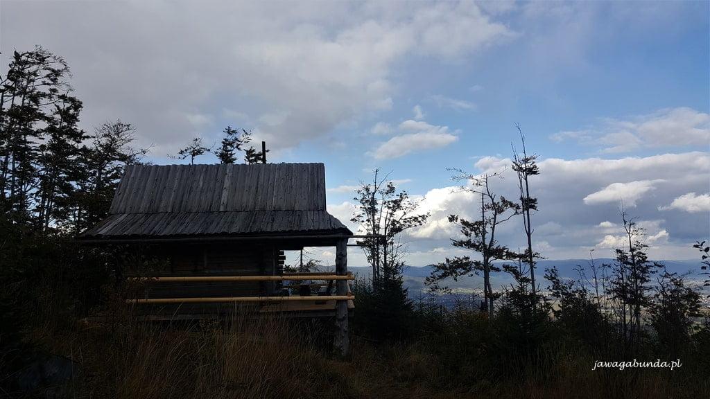 chata w górach drewniana