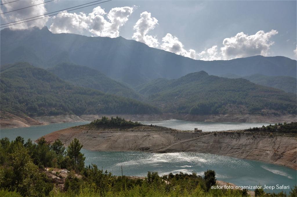 zalew w górach