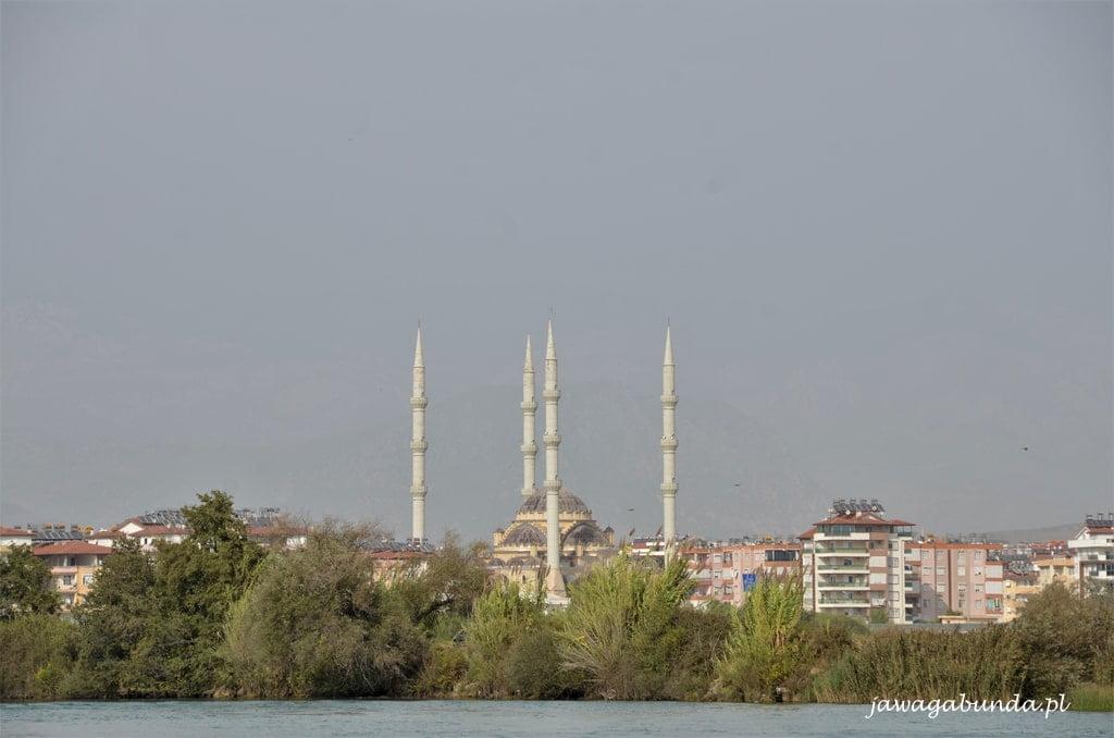 meczet z 4 minaretami