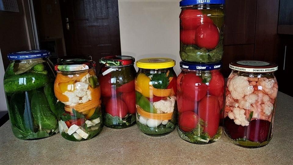 kiszonki słój kiszone warzywa
