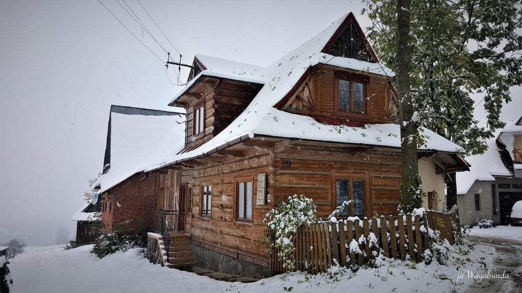 drewniany góralski dom