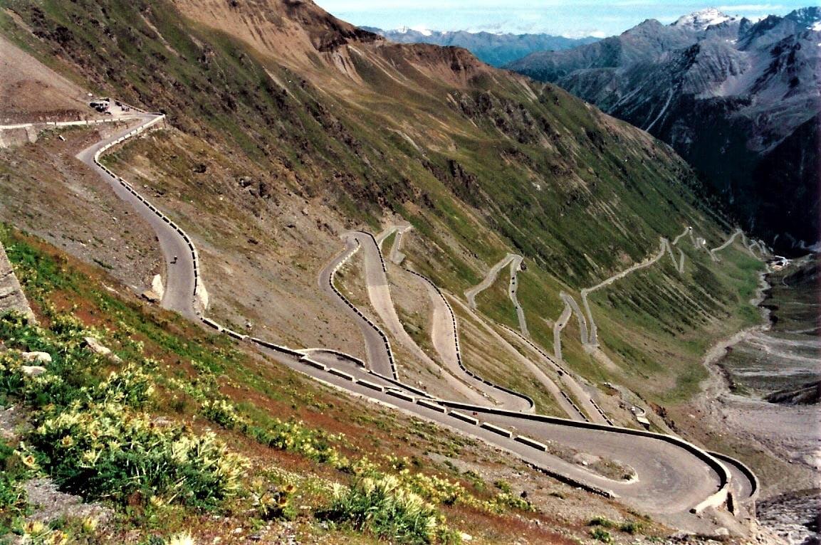 droga bardzo kręta w górach