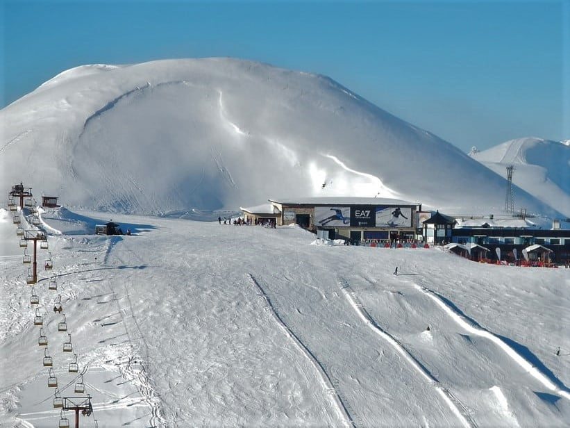 trasa narciarska w Alpach