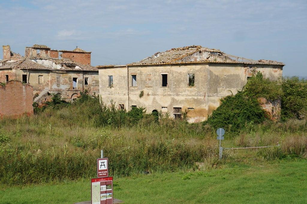 Toskania rozwalone domy
