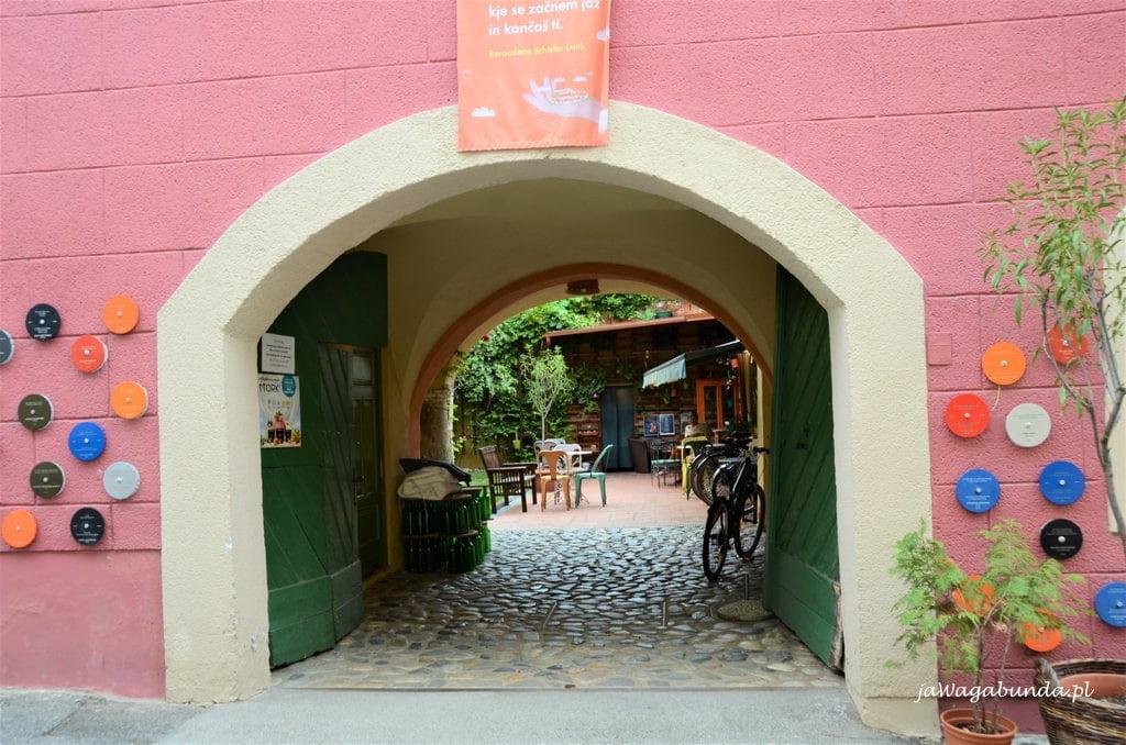 wejście wjazd konny