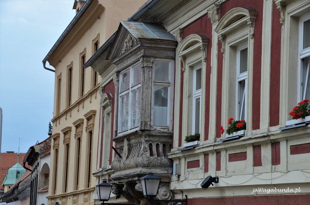 fasada budynku balkon Ptuj