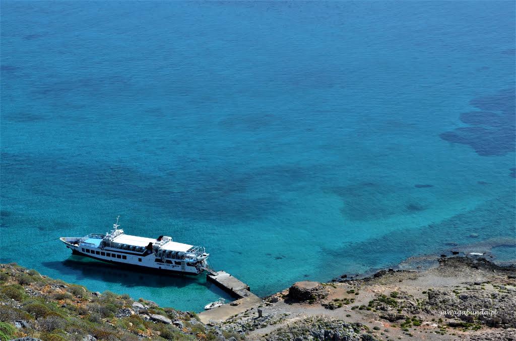 wyspa Gramvousa statek w lagunie