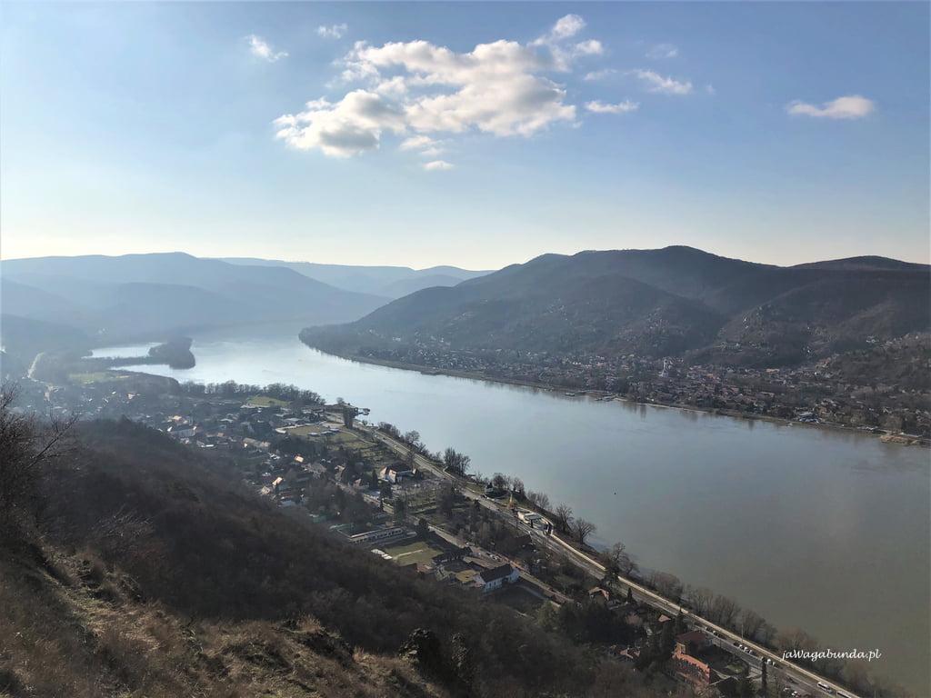 rzeka Dunaj i wzgórza