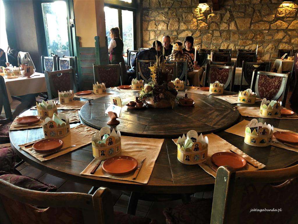 restauracja nakrycie stołów