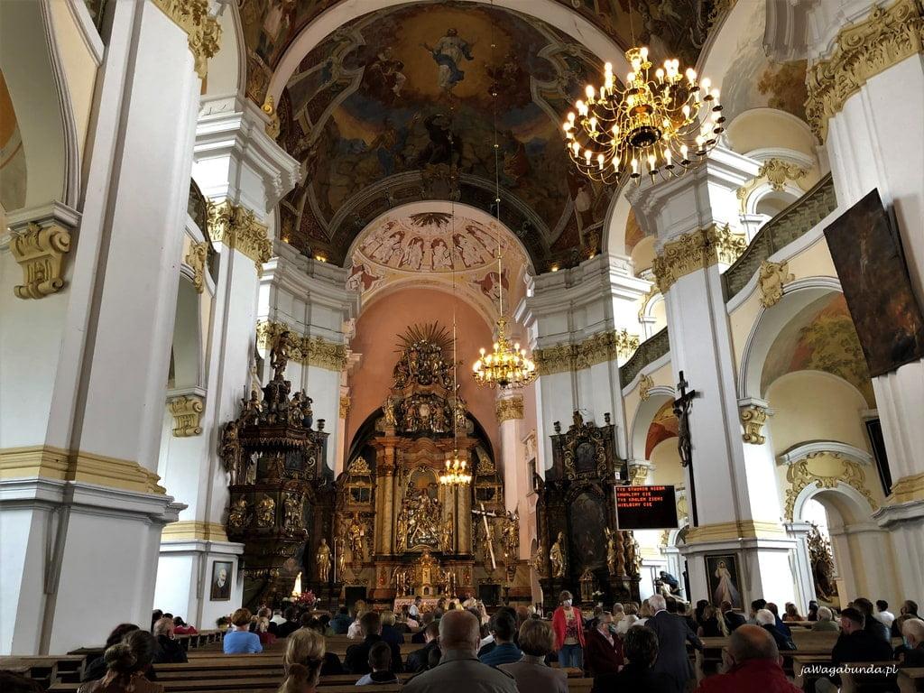 wnętrze kościoła w Lubomierzu