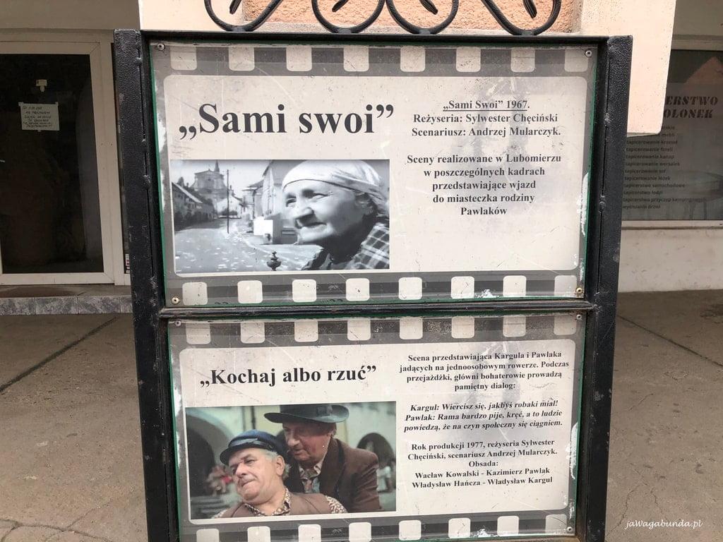 kadr z filmu sami swoi na rynku w Lubomierzu