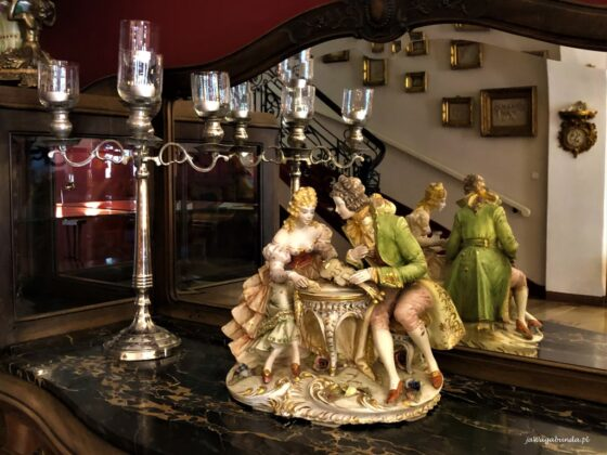 pałac w Brunowie figurki porcelanowe