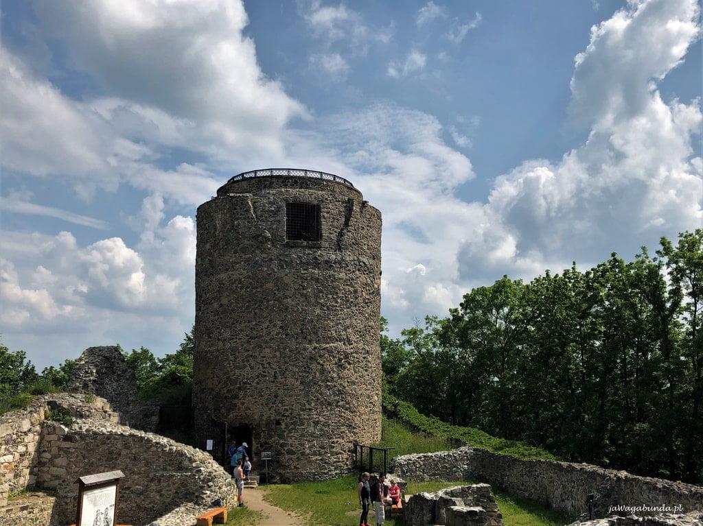 kamienna wiza widokowa na zamku Lenno