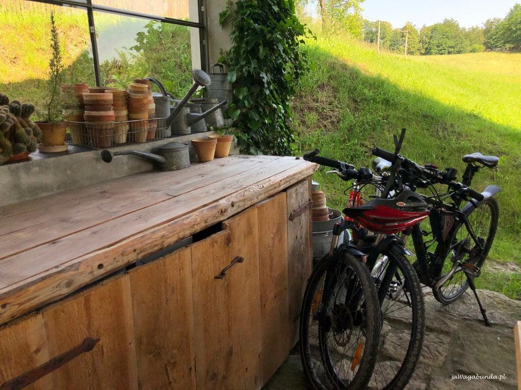 rowery w kuchni letniej