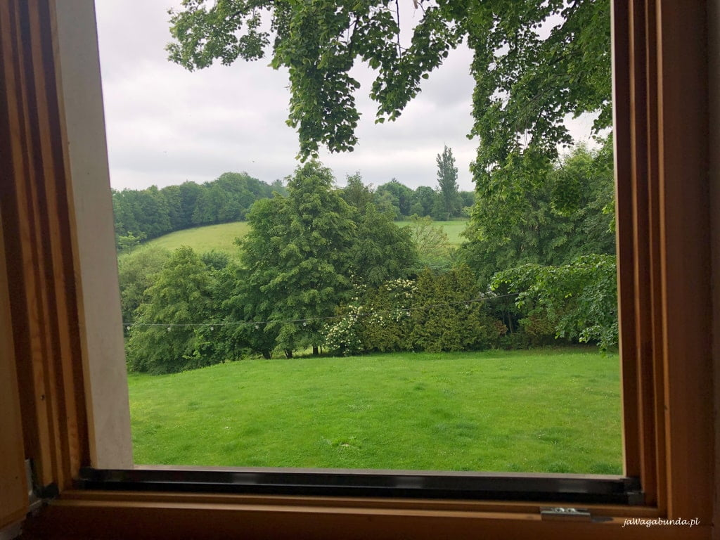 widok za oknem w agroturystyce