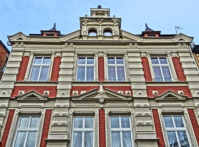 Budynek a w nim Urząd pomogający w poszukiwaniu pracy