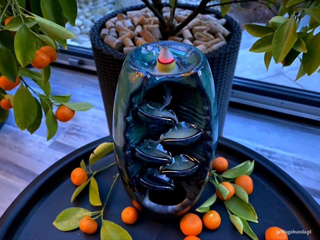 kominek ceramiczny we wnętrzu