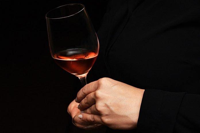lampa różowego wina