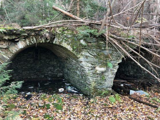dawne piwnice w ośrodku wypoczynkowym na Zamkowej Górze