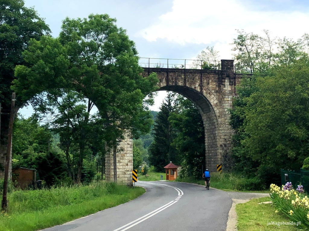 potężny most kolejowy
