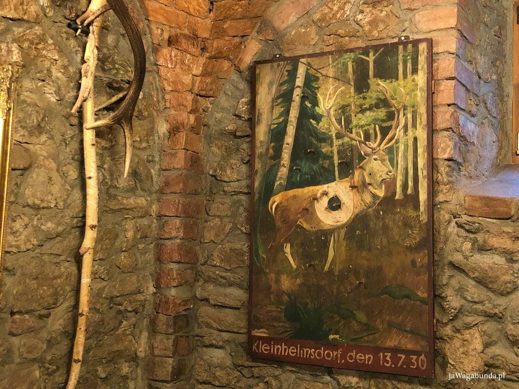 jeleń na rykowisku na obrazie