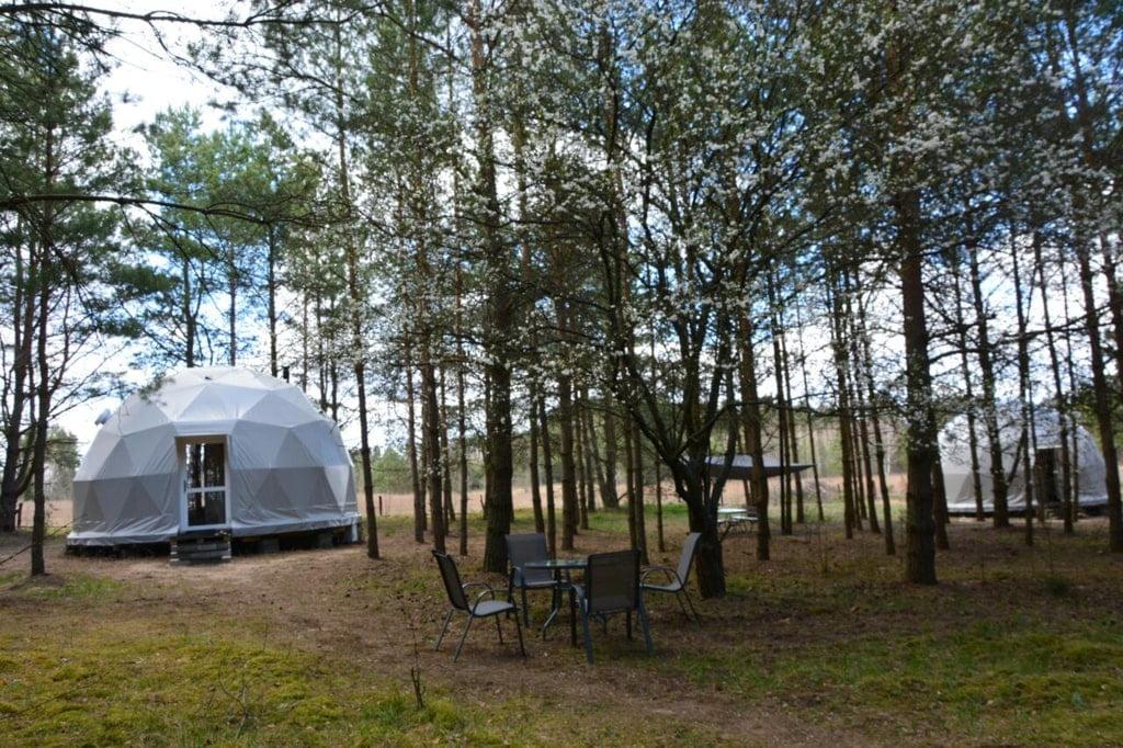 namiot glamping w lesie